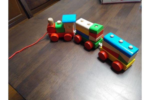西松屋 たのしいつみきパズル列車