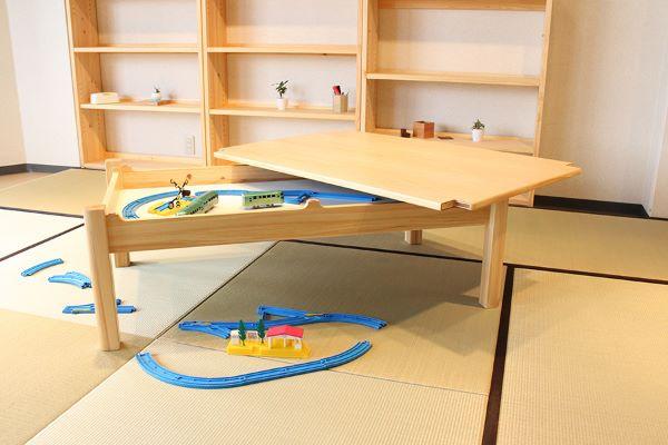 秘密基地のような技ありテーブル