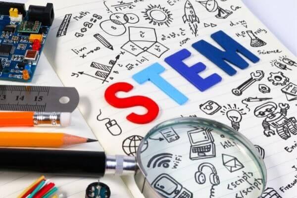 STEM 小学校
